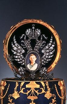 Imperial Czarevich Easter Egg, showing the surprise of a diamond encrusted frame with a photo of the young czarevich - Peter Carl Fabergé. Lapis Lazuli, gold, diamonds, Platinum or silver. Fabrege Eggs, Faberge Jewelry, Imperial Russia, Egg Art, Objet D'art, Russian Art, Egg Decorating, Museum Of Fine Arts, Crown Jewels
