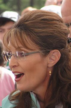 let's keep hoping for Sarah Palin Hot, Global Hair, Eyeglasses Frames For Women, Glamour, Sexy Older Women, Girls With Glasses, Womens Glasses, Curvy Women Fashion, Beautiful Gorgeous
