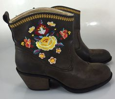 92fb3f6f188078 Rocket Dog Bonfire Ankle Boots Womens 10M Brown with Embroidered Flowers  Shoes… Dog Boots