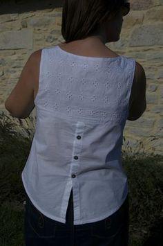 Blanche Datura - Deer and Doe addicts Kurta Designs, Blouse Designs, Sewing Blouses, Kurta Neck Design, Shirt Bluse, Short Tops, Fashion Sewing, Blouse Patterns, Blouse Styles