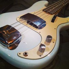 American Vintage '63 Precision Bass