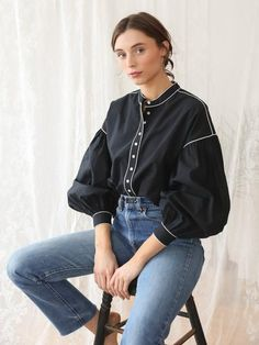 Shop Mille - Jacquetta Top in Black Classy Outfits, Casual Outfits, Hijab Fashion, Fashion Dresses, Mode Hijab, Mode Vintage, Blouse Designs, Designer Dresses, Street Style