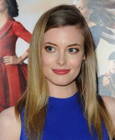 Gillian Jacobs Long Side Part - Gillian Jacobs topped off her look with a sleek and elegant side-parted 'do when she attended the 'Veep' season 3 premiere.