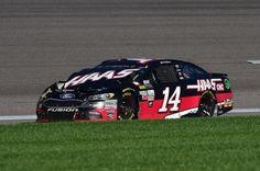 Clint Bowyer 19th at Kansas #NASCAR