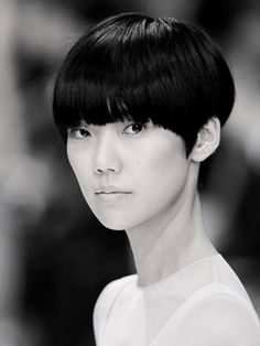 Japanese model Tao Okamoto, known for her daring bowl cut and androgynous look ( I am completely in love with this) Tao Okamoto, Hair Inspo, Hair Inspiration, Short Hair Cuts, Short Hair Styles, Bowl Haircuts, Short Celebrities, Celebrity Haircuts, Bowl Cut