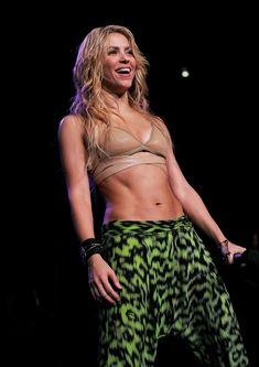 2a13b4e061a Shakira Mebarak: pic #574544 Όμορφοι Διάσημοι, Διασημότητες, Fitness  Inspiration, Έμπνευση Για