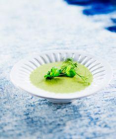 Pakasteherneet – näillä ohjeilla teet niistä ruokaa 30 minuutissa! Kotiliesi.fi Pesto, Risotto, Soups, Japanese, Dinner, Ethnic Recipes, Food, Dining, Japanese Language