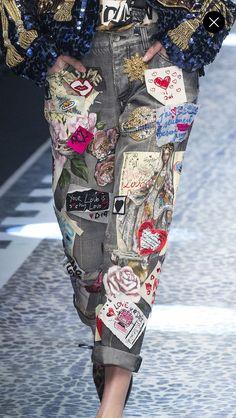 Milan fashion weeks 296041375508821653 - Source by aprelecole Denim Fashion, Runway Fashion, Womens Fashion, Fashion Details, Love Fashion, Fashion Design, Style Fashion, Jeans Casual, Denim Ideas