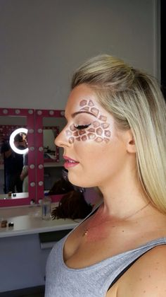 Giraffe makeup www.halouw.co.za                                                                                                                                                                                 More