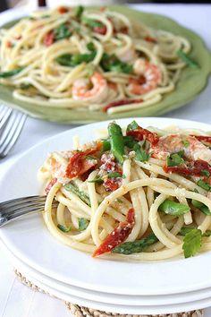 Shrimp, Sun-Dried Tomotoes & Asparagus Bucatini Recipe in White Wine & Garlic Sauce