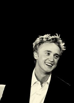 Animated gif about gif in Tom Felton by May the force be with you Tom Felton Harry Potter, Mundo Harry Potter, Harry Potter Draco Malfoy, Harry Potter Tumblr, Harry Potter Pictures, Harry Potter Cast, Severus Snape, Drarry, Dramione