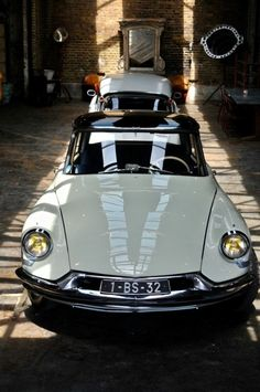 Citroen Ds, Retro Cars, Vintage Cars, Automobile, Ford Roadster, Volvo Cars, Car Mods, Cars And Motorcycles, Cool Cars