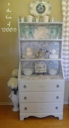 4 the love of wood: APPLIQUES FROM THE GARBAGE - my blue china cabinet