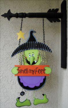 """Smell My Feet"" Halloween Decor"