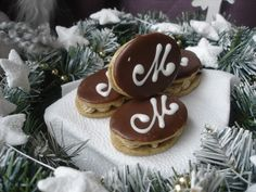 Mocca oválky Christmas Baking, Gingerbread Cookies, Food, Google, Gingerbread Cupcakes, Essen, Meals, Christmas Cookies, Yemek