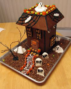 14 Haunted Gingerbread Houses For Halloween