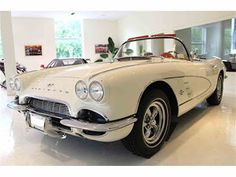 New Car. Old Car: For Sale: 1961 Chevrolet Corvette in Roslyn, New Y...