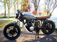 cm400t - Google Search Old Honda Motorcycles, Honda Bikes, Cb Cafe Racer, Cafe Racer Motorcycle, Cafe Racers, Cbx 250, Honda Cb 500, Brat Cafe, Motorised Bike