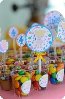 Festa Pronta - Festa Piscina- Tuty - Arte & Mimos www.tuty.com.br Que tal usar esta inspiração para a próxima festa? Entre em contato com a gente! www.tuty.com.br #festa #personalizada #party #tuty #aniversario #bday #rosa #lilas #floral #flores #cute #Piscina #PoolParty