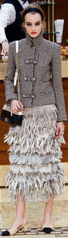 Chanel RTW AW 2015-16 #BrasserieGabrielle Visit espritdegabrielle... | L'héritage de Coco Chanel