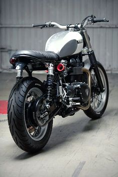 Kiddo custom Triumph Thruxton « Custom Bikes « DERESTRICTED