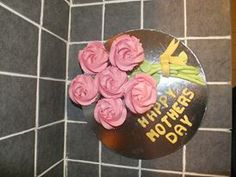 Mothers day cupcake bouquet from Auntie Lisa's Cake & Craft find us on facebook.