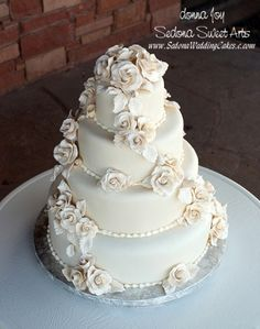 Gluten free wedding cake   Keywords: #glutenfreeweddingfoods #jevelweddingplanning Follow Us: www.jevelweddingplanning.com  www.facebook.com/jevelweddingplanning/