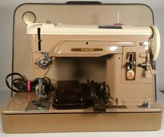 "1959 Singer Sewing Machine Model 404 Vintage ""WORKING"" with original case"