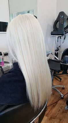 What a stunning shiny creamy bright blonde, come Into Epic Hair Designs and get a Beautiful Goldwell colour on you stunning blonde locks