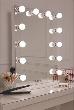 This is what make up dreams are made of girls! This is our XL pro hollywsood mirror which features a sleek white design with 12 LED frosted light bulbs- essential for ensuring a flawless skin finish all My New Room, My Room, Sala Glam, Vanity Room, Vanity Mirrors, Mirror Bathroom, Hollywood Vanity Mirror, Mirror Room, Vanity Set