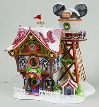 Department North Pole Village - Page 5 Disney Christmas Village, Christmas Village Houses, Mickey Christmas, Christmas Villages, Christmas Ornaments, Christmas Ideas, Santa's Village, Department 56, North Pole