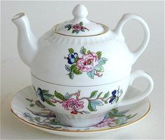 Pembroke Tea for One - Aynsley Bone China