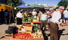 Readers' travel tips: foodie Portugal  From markets where old ladies sell produce from their gardens to traditional seafood restaurants, Been there readers know the best places in Portugal - via The Guardian 28 May, 2012 | Photo: The Saturday market in Estremoz, Portugal - by Alamy