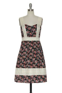 Hand- Picked vintage inspired dresses at LaceAffair.com. Find your new fave cute tops, affordable dresses, bottoms, outerwear, handbags, scarves, jewelry and other vintage inspired clothing .