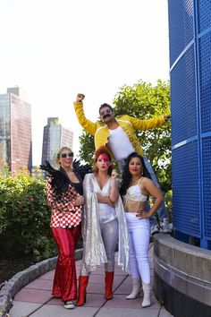 Six Iconic Pop-Culture Halloween Costumes That Will Win You The Best Costume Title This Year Elton John Halloween Costume, Halloween Costumes Pop Culture, Elton John Costume, Movie Halloween Costumes, Halloween Outfits, Rockstar Halloween Costume, Halloween Ideas, Halloween Customs, Pirate Costumes