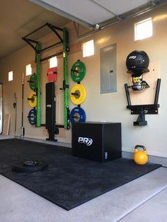 Best home gym garage design Ideas Home Gym Basement, Home Gym Garage, Diy Home Gym, Gym Room At Home, Home Gym Decor, Best Home Gym, Basement Remodeling, Basement Ideas, Basement Bathroom