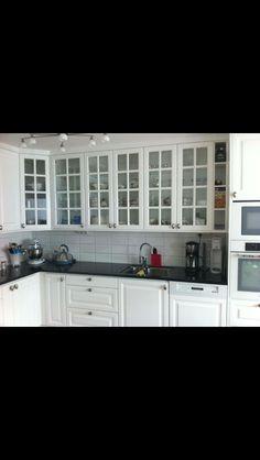 En nöjd kunds kök. Kom in till oss på sisjövägen 49 eller boka möte med en av våra köksinredare på tel : 031-475260