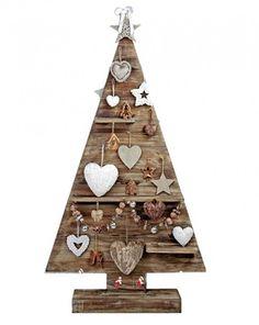 kerstboom steigerhout maken Pallet Wood Christmas Tree, Wooden Christmas Decorations, Christmas Town, Wooden Christmas Trees, Christmas Makes, Xmas Tree, Christmas Diy, Ornament Crafts, Christmas Crafts