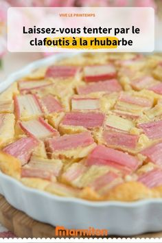 Clafoutis with rhubarb, a dessert with absolutely delicious fruit Healthy Cake Recipes, Homemade Cake Recipes, Sweet Recipes, Big Meals, Delicious Fruit, Spring Recipes, Food Videos, Food And Drink, Cooking