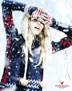 Fashion models Ieva Laguna and Regina Feoktistova get caught up in a snowfall for American Eagle Holiday 2010 campaign. Lensed by phototgrapher Naga Sakai, the models enjoy the snow clad in winter pieces styled by Matthew Ellenberger. I Love Winter, Winter Colors, Winter Theme, Campaign Fashion, Snow Fashion, Fashion Photography Inspiration, Photography Ideas, Warm Outfits, Winter Wardrobe