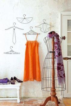 Cintres en fils de fer en forme d'accessoires de mode, cravate, col et dentelle