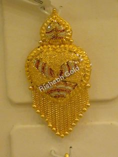 Traditional gold pendant