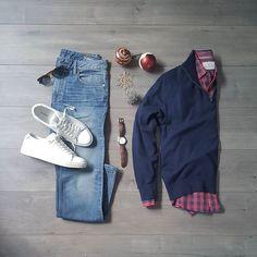 Merry Christmas ••••Would you wear this outfit??? ______ Sweater:@jcrewmens Harbor cotton Shirt:@flagandanthemco Denim:Bonobos Watch:Watcheslover88 Sunglasses:Remo Tulliani the Trust Sneakers:@aldo_shoes Delello • • • • • #Menstyle #bonobos #aldoshoes #takeflightAtF #zaraman #flatlay #flagandanthem #christmasgrid #remotulliani #tistheseason #white #blue #denim #jcrewmen #styleformen #layflat #guy #fall #outfitgrid #minimalfashion #mensfashion #fallfashion