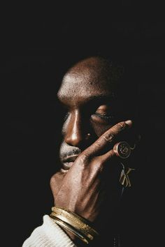 Falling in Love with African Fashion (seeselfblack: Joshua Kissi of streetetiquette . Photography Poses For Men, Creative Photography, Fashion Photography, Portrait Photography Men, Poses References, Black Sails, Foto Art, Black Is Beautiful, African Fashion