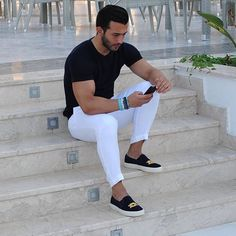 Gq Mens Style, Gq Style, White Pants Outfit, White Pants Men, Mens Fashion, Fashion Outfits, Miami Fashion, Men Street, Men Dress
