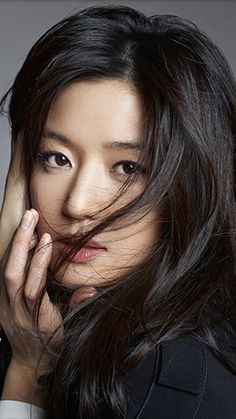 Jeon Ji Hyun isn't afraid of getting cold or looking bad this winter season as she has SHESMISS's new winter collection as part of her expanding wardrobe. Check her out in the brandR… Korean Actresses, Korean Actors, Korean Beauty, Asian Beauty, Legend Of Blue Sea, Jun Ji Hyun, Asian Hair, Beauty Shots, Aesthetic Girl