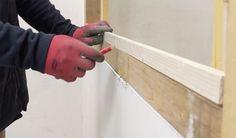 Tutoriel pour fabriquer une verrière en bois pas chère et design - 18h39.fr Pouf En Crochet, How To Plan, Wood, Decoration, Design, Anna, Construction, Lounges, Black Ikea Kitchen
