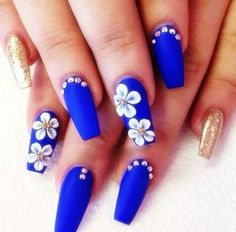 short nails design is to tons difilut however we cna try and give top 10 inspiring nail art designs for brief nails. Gold Nail Designs, Flower Nail Designs, Nail Designs Spring, Acrylic Nail Designs, Royal Blue Nails Designs, 3d Flower Nails, Blue Coffin Nails, Blue Acrylic Nails, Gold Nails