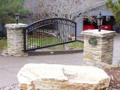 Quartzite Ledgestone Gate Posts