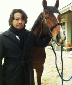 Look at Shinsuke with the horse!!..❤❤